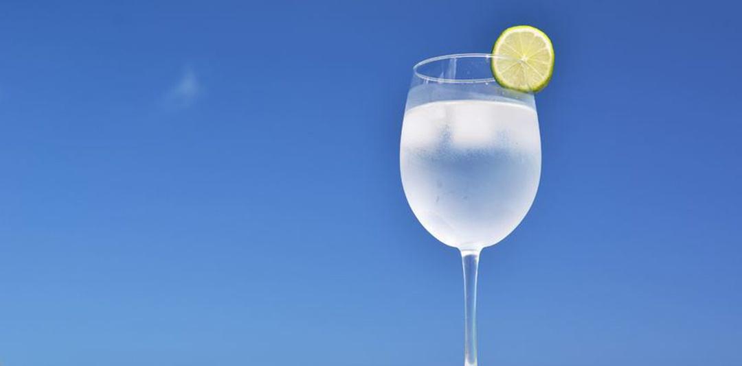 Come mantenere l'acqua sempre fresca in estate