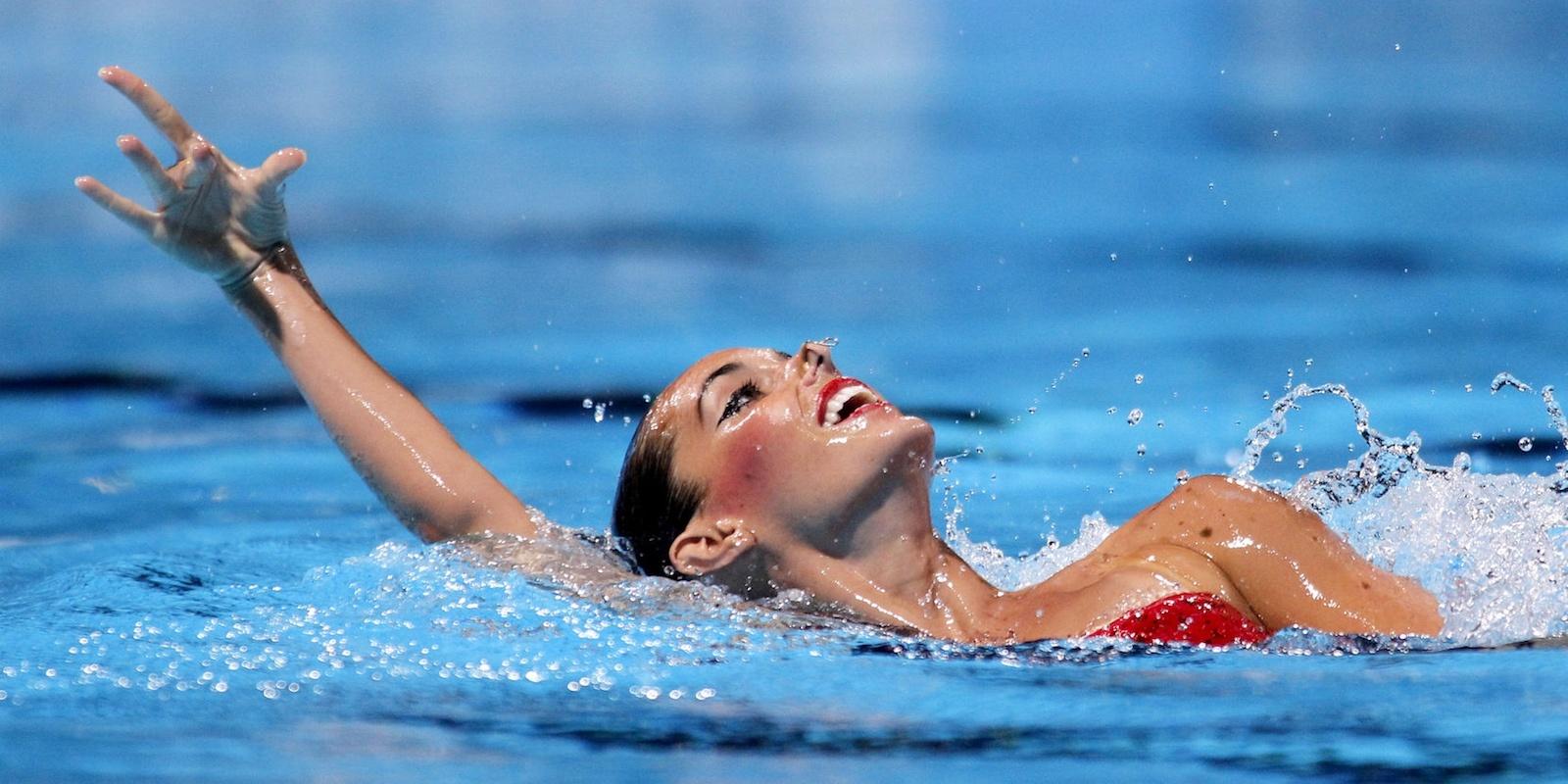 Danzare nell'acqua con il nuoto sincronizzato