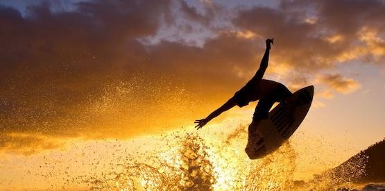 Alla ricerca dell'onda perfetta del surf